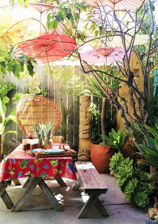 Backyard Hawaiian Luau : Summer Party Themes Luau, Backyard BBQ, Picnic, Bonfire Party Ideas