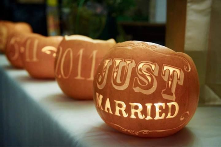 halloween wedding pumpkins with vintage fonts - Halloween Wedding Decor