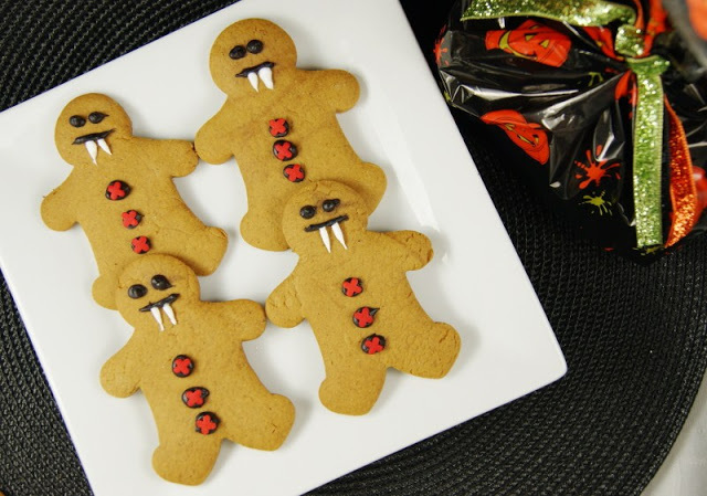 Halloween party food ideas, Halloween party decoration ideas.