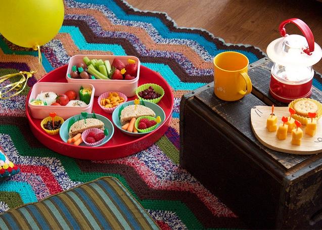 kids indoor picnic