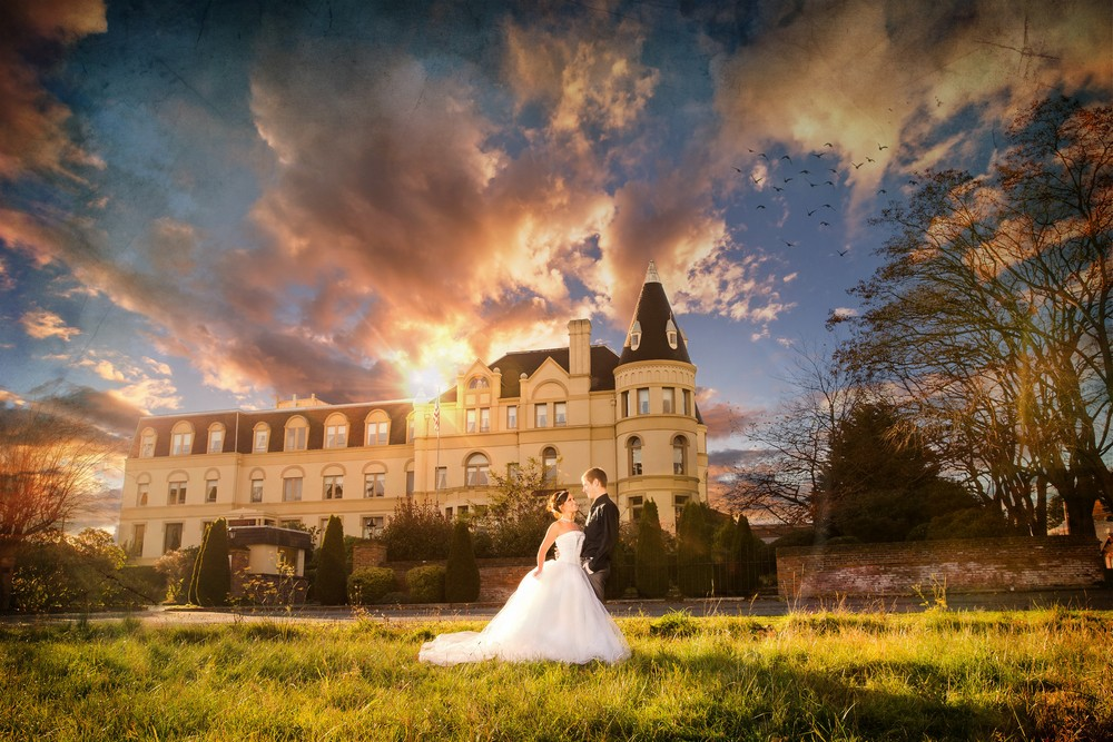 halloween wedding destination haunted hotel